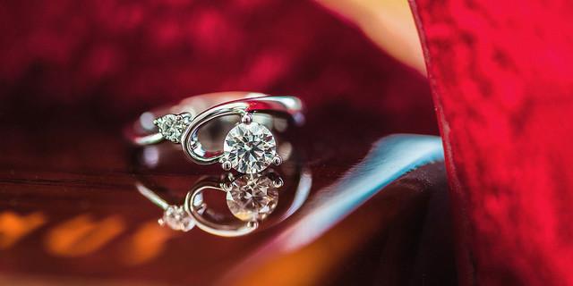 anéis com pedras