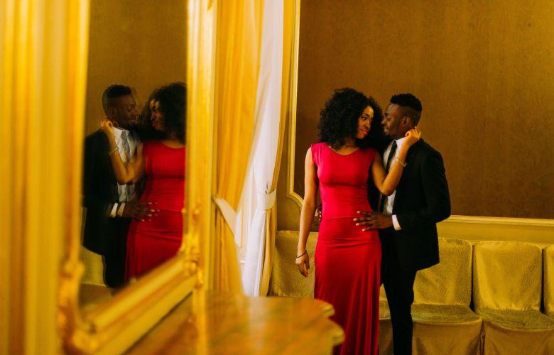 joias para usar com vestido vermelho