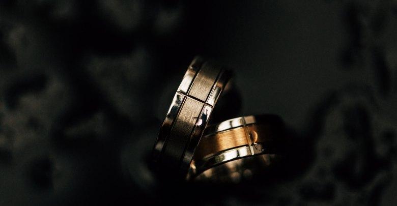 aliança de namoro com ouro