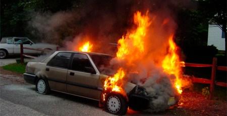 acto vandálico reparar coche