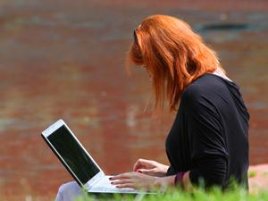 Online check-in: számtalan előnnyel jár és rengeteg időd spórolhatunk meg vele.