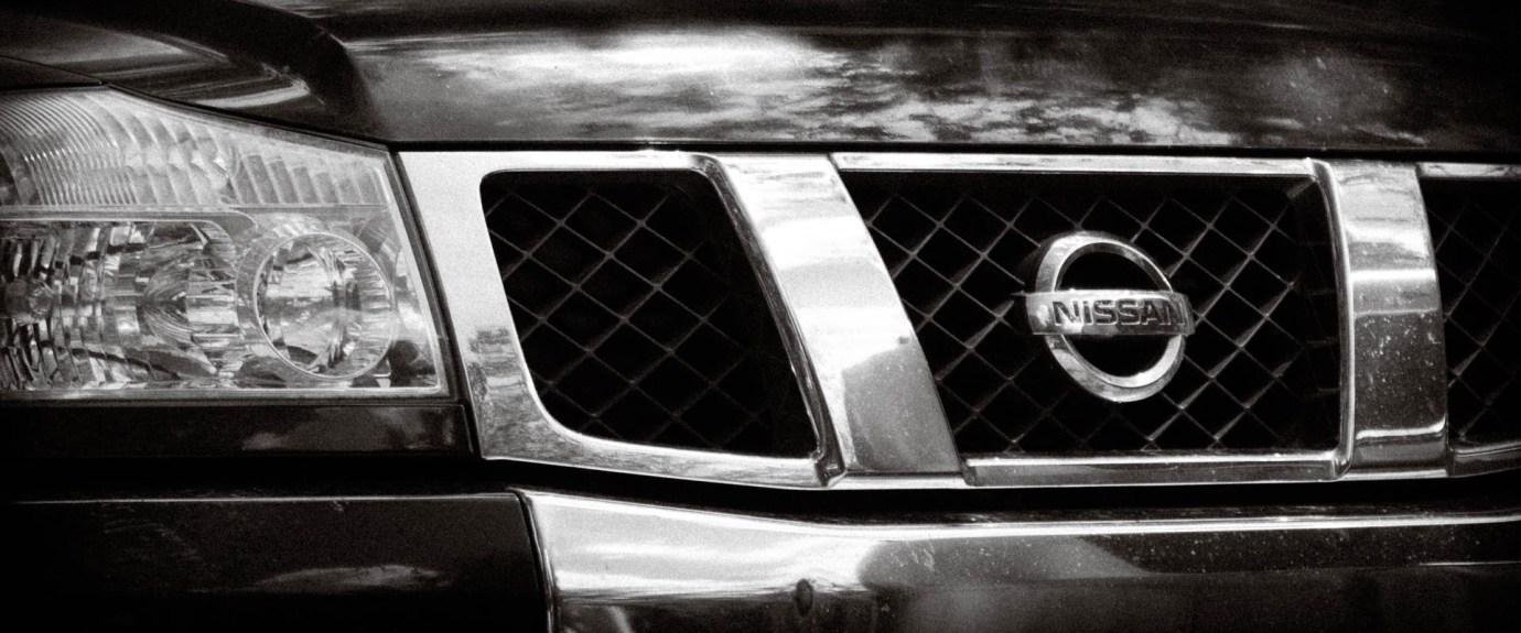 04 Nissan Titan - 1920x800