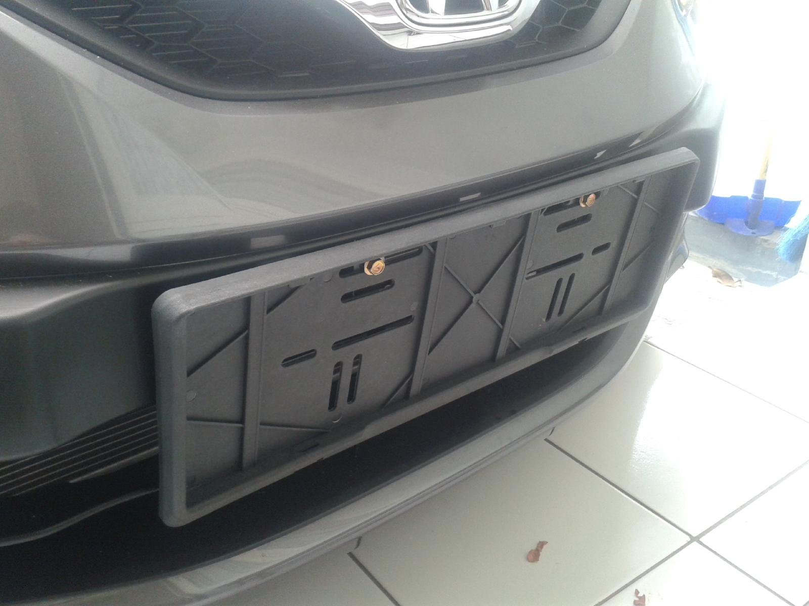 Cara Memasang Plat Nomor Mobil Cover Izy 1 Pasang Frame Nomer Depan