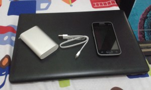 Perbandingan MI Powerbank 10000 dan Samsung Galaxy V Plus