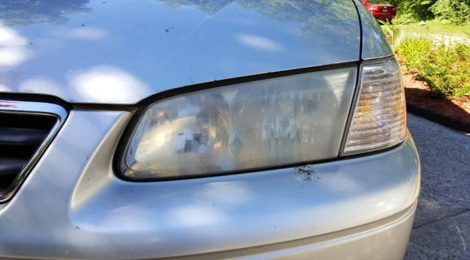 How to restore cloudy headlights using toothpaste – This really works!