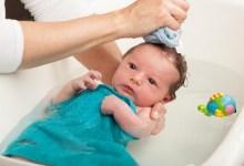 الاستحمام الاول لطفلك حديث الولادة و العناية به