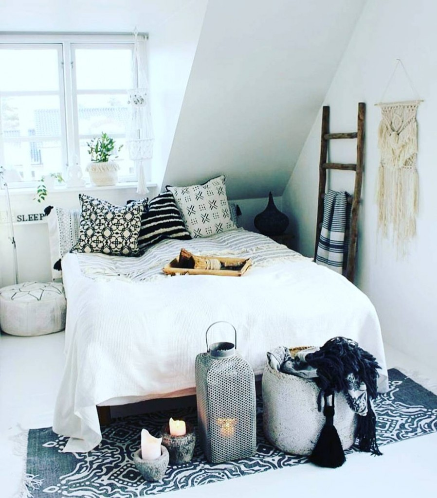 21 Bohemian Chic Bedroom Decor Ideas Royal Furnish