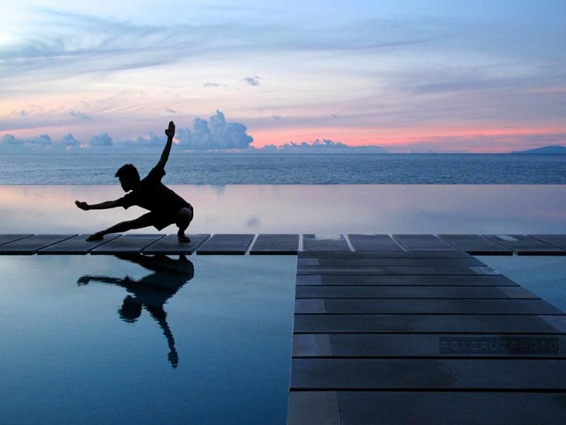 Wushu at Sunrise, Laiya, Philippines - Canon G10 (ISO 200)