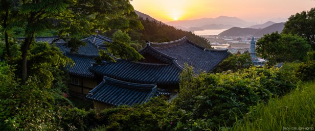 From the Mountains to the Sea (2-frame panorama) ISO 640 Singwangsa (신광사) Temple Geoje, South Korea