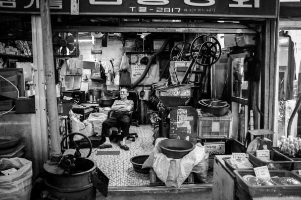 Korea Street Photographer Roy Cruz-3