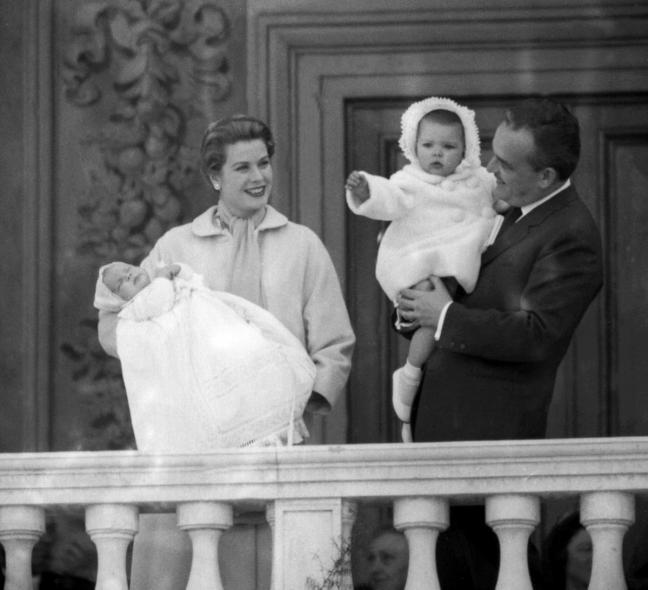 grace-kelly-prince-rainier-monaco-children-1958