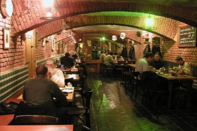 Едно от многото заведения в Прага
