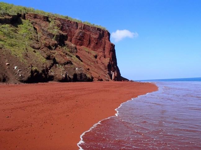 Червен плаж