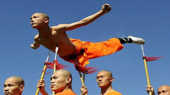 Монасите готови за битка