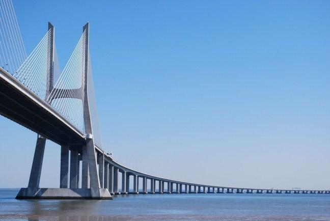 """Мост """"Васко Де Гама"""""""