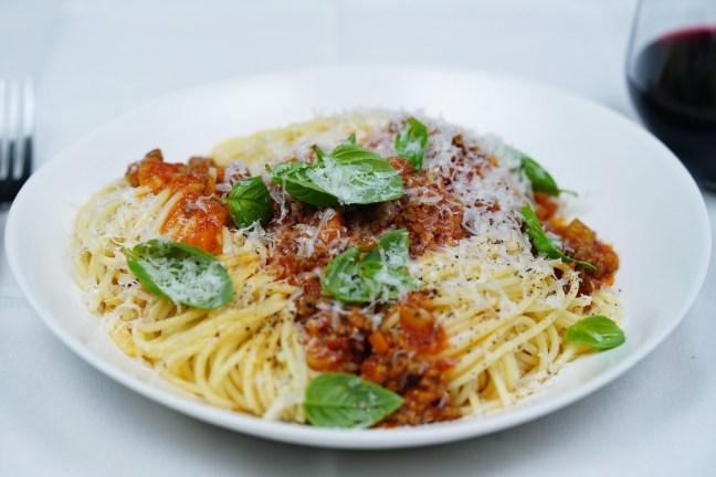spaghetti-bolognese_1980x1320-118369-1