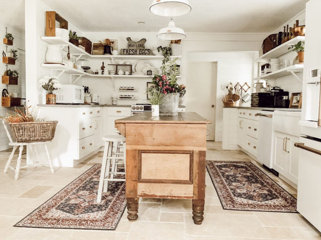 The Different Types of Farmhouse Decor | The Ruggable Blog ...
