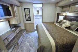 2018 Coachmen Sportscoach 408DB king bed storage bathroom