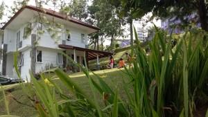 Wisata dan Mencari Penginapan Murah di Bandung | Ryan Mintaraga