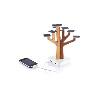 caricatore-solare-albero