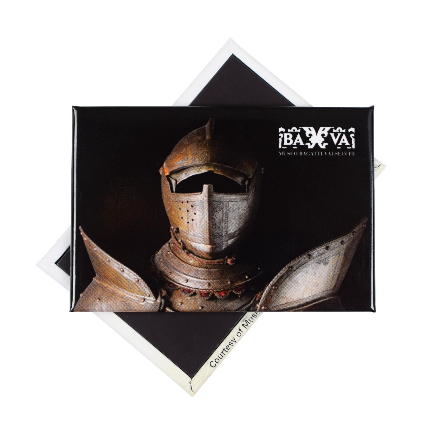 Magnete personalizzato con un'armatura presente all'interno del Museo Bagatti Valsecchi