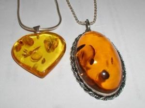 Sun Spangles inclusion in amberImage courtesy: Wikipedia
