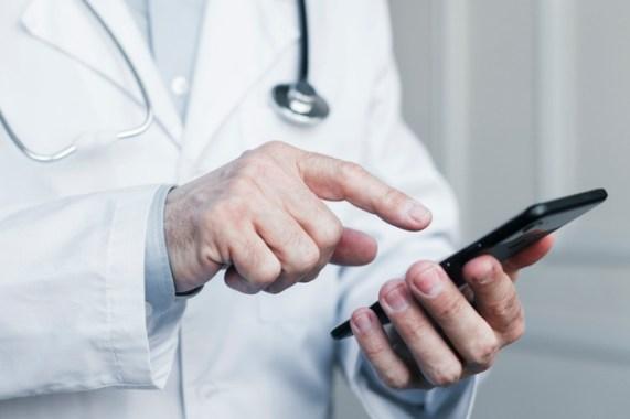 điều dưỡng sẽ liên lạc với bạn để theo dõi sau xạ trị