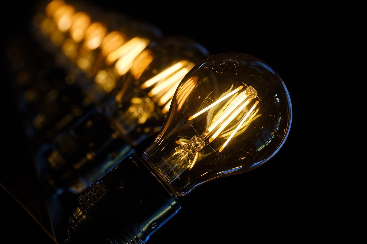 ค่าไฟแพง? 5 เรื่องที่ต้องเช็กเพื่อช่วยคุณประหยัดพลังงานมากขึ้น