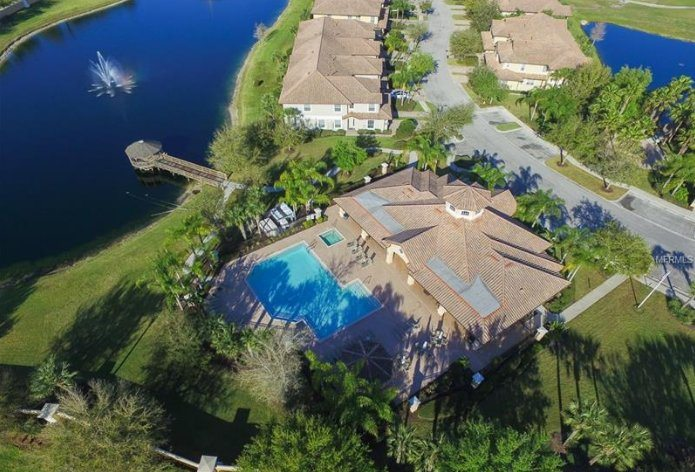 clubhouse and pool at Miramar