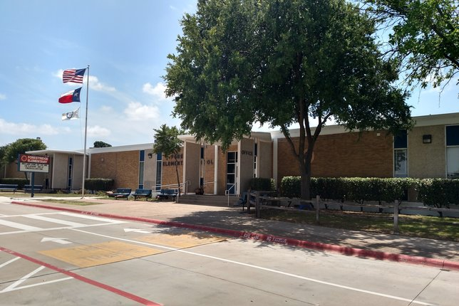 Front entrance to Forestridge Elementary School, one of Dallas's best schools.