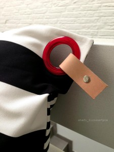 pillow_stripes_piercing2
