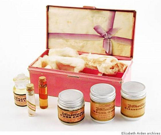 A set of Venetian products in original presentation box from 1915