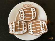Gingerbread shaped and decorated into Scotch whisky barrels - Scotch Whisky Experience blog