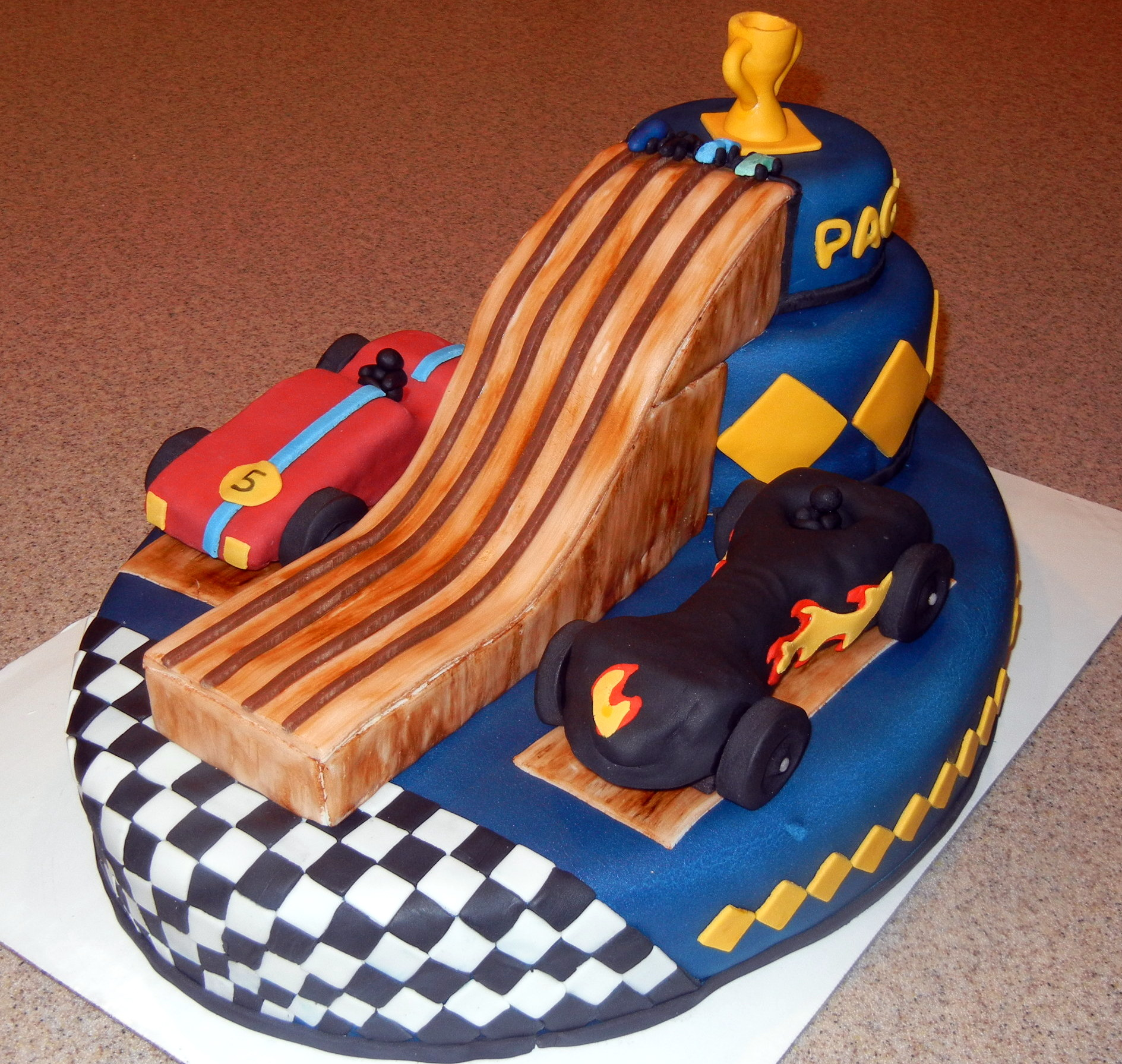 11 Pinewood Derby Cake (1)