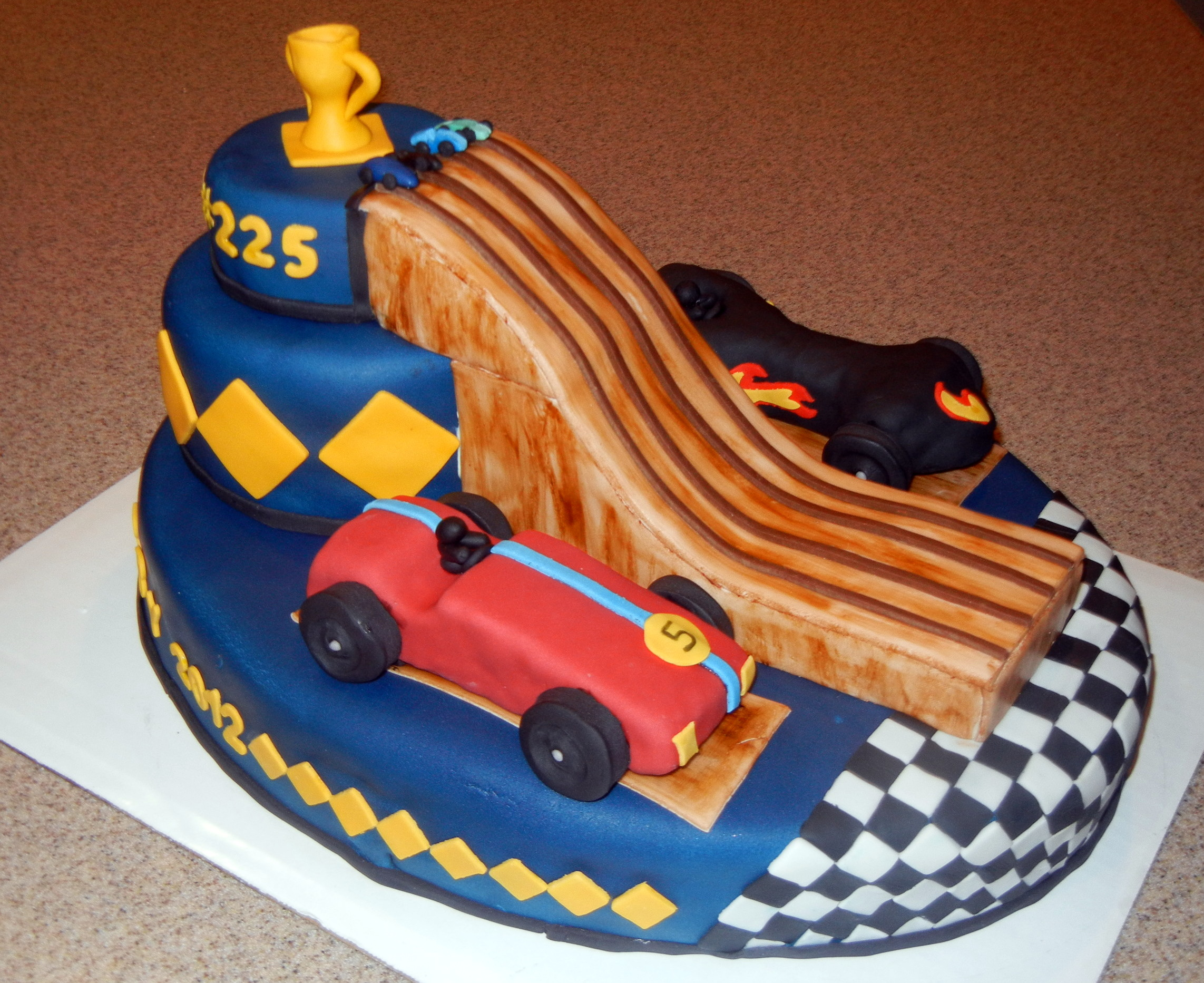 11 Pinewood Derby Cake (2)