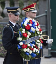 Wreath-laying-at-Arlington-National-Cemetery-2