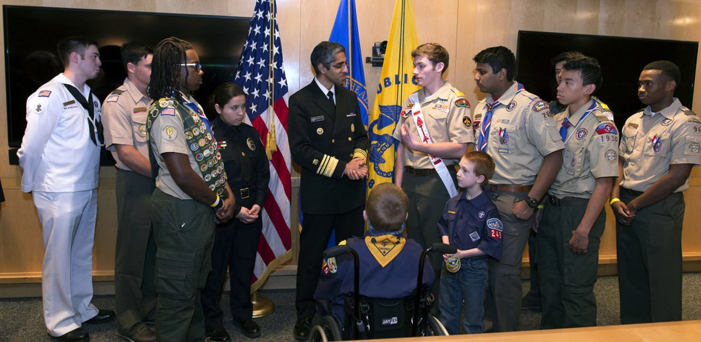 Surgeon-General-Murthy-talks-with-Scouts-2