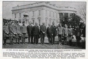 warren-g-harding-and-scouts-1921