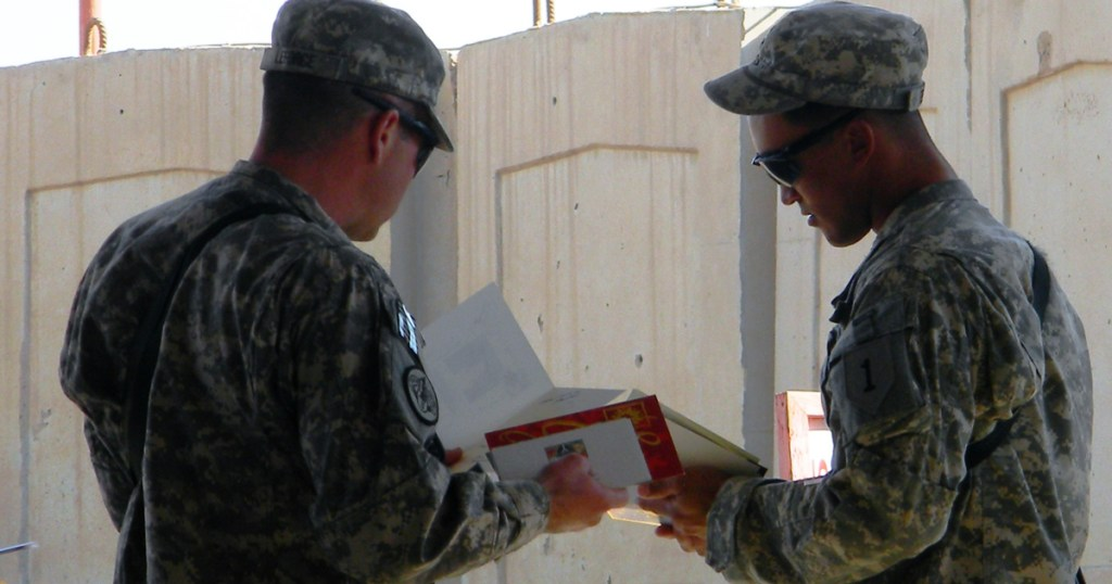 Holiday cards for heroes: A service project for our service members