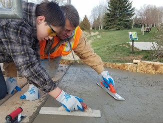 Tanner smoothing concrete