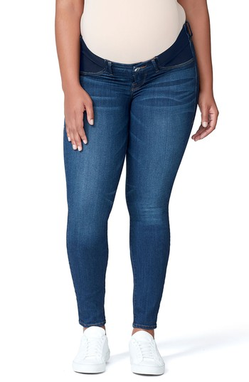 These plus-size maternity jeans go up to a size 24!