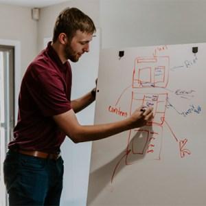 creative-director-jobs-im-fokus-searchtalent-foto