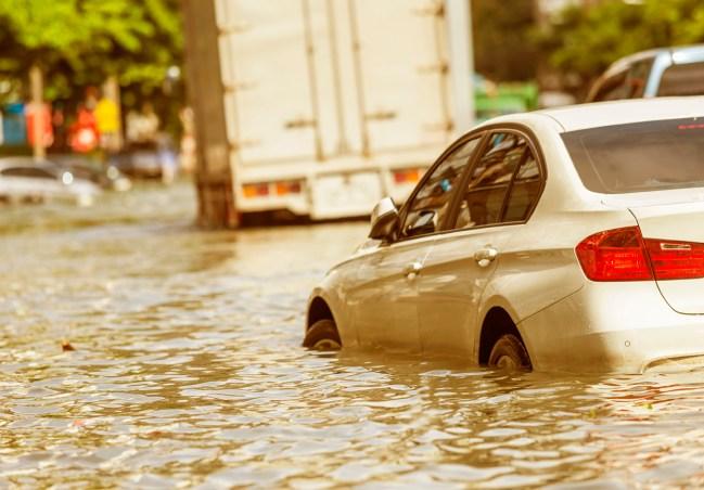 Meu carro passou por uma enchente