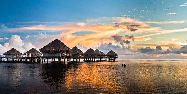 Overwater-Bungalows-Tahiti-3