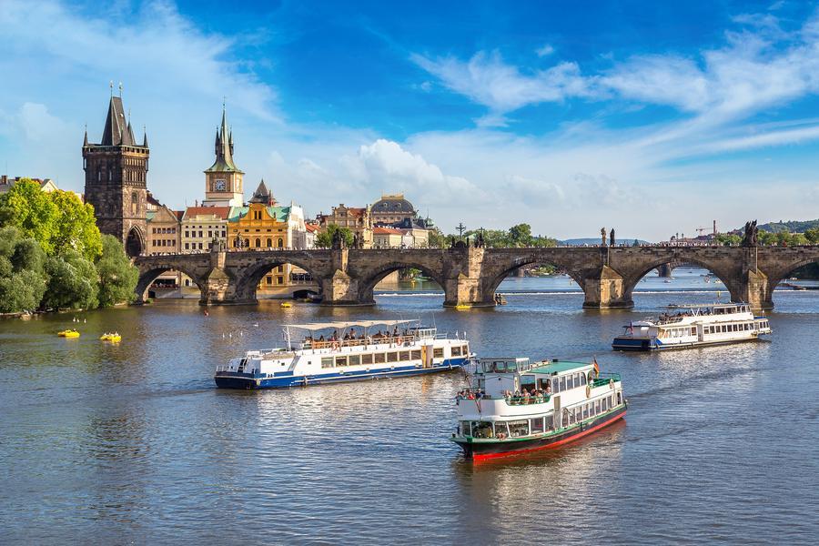 伏爾他瓦河遊船 東南旅遊