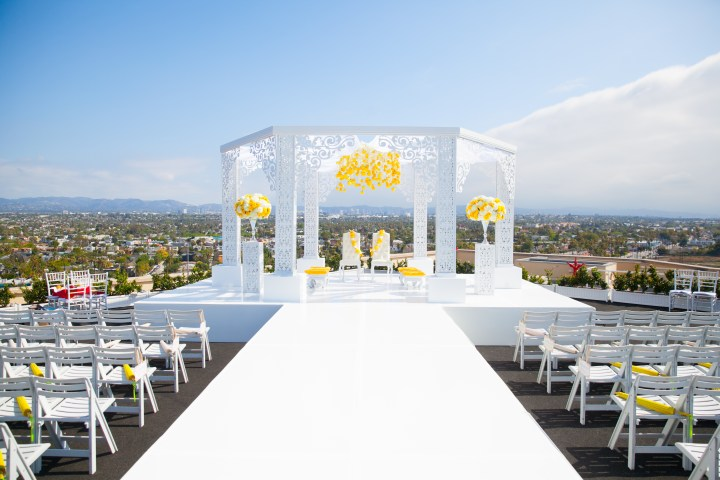 Indian-wedding-Marina-del-Rey-Marriott-phere-mandap-outdoor-ceremony-Hindu-fire
