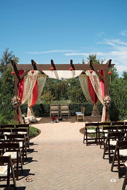 Indian-wedding-Avni-Taylor-Paul-Gero-photography-Hindu-ceremony-Gujarati-Indian-bride-dulhan-South-Asian-wedding-pergola