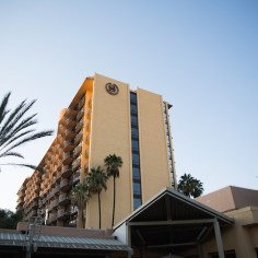 The Sheraton Park Anaheim is very close to Disneyland, Downtown Disney, shops, and restaurants. Photo: Aaron Eye Photography
