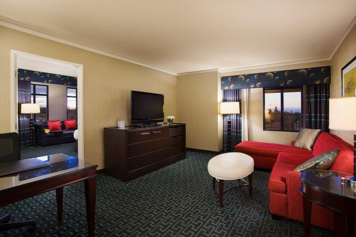 Juniper Hotel Suite