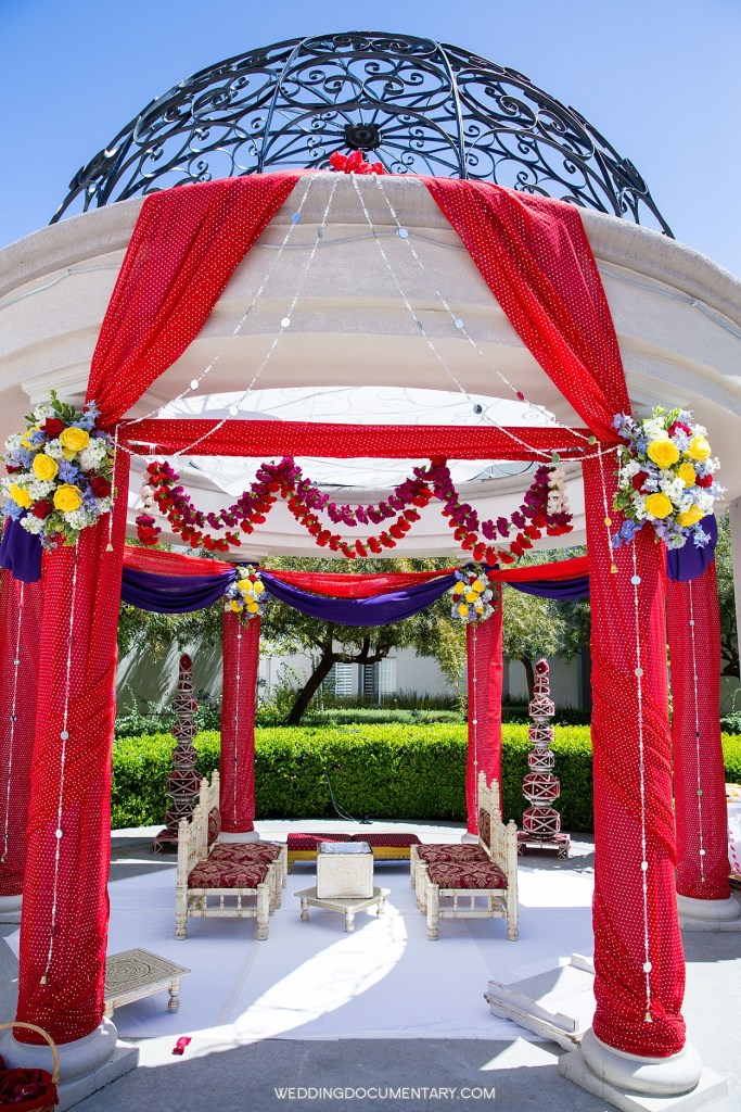 Mandap at San Mateo Marriott rotunda